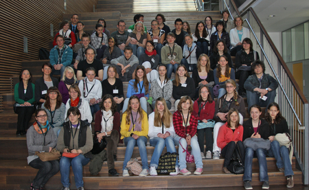 "Girls' Day/""New Ways for Boys"" 2010-group picture. Foto:Brigitte Sailer, Max-Planck-Campus Tübingen."